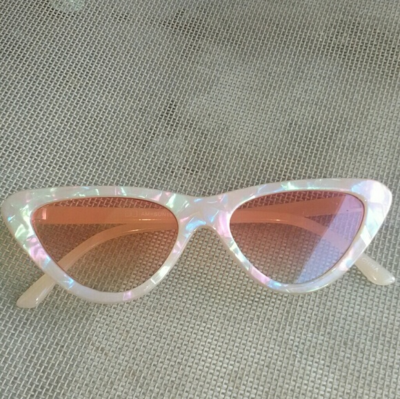 2cd6a792d560 Trendy Hologram Cat Eye Sunglasses. M_5ba94c46a5d7c638dcd7b686. Other  Accessories you may like. New Zara ...